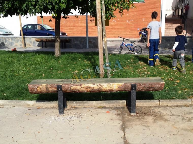 Banco de madera rustico banco rstico banco de madera for Bancos de jardin rusticos