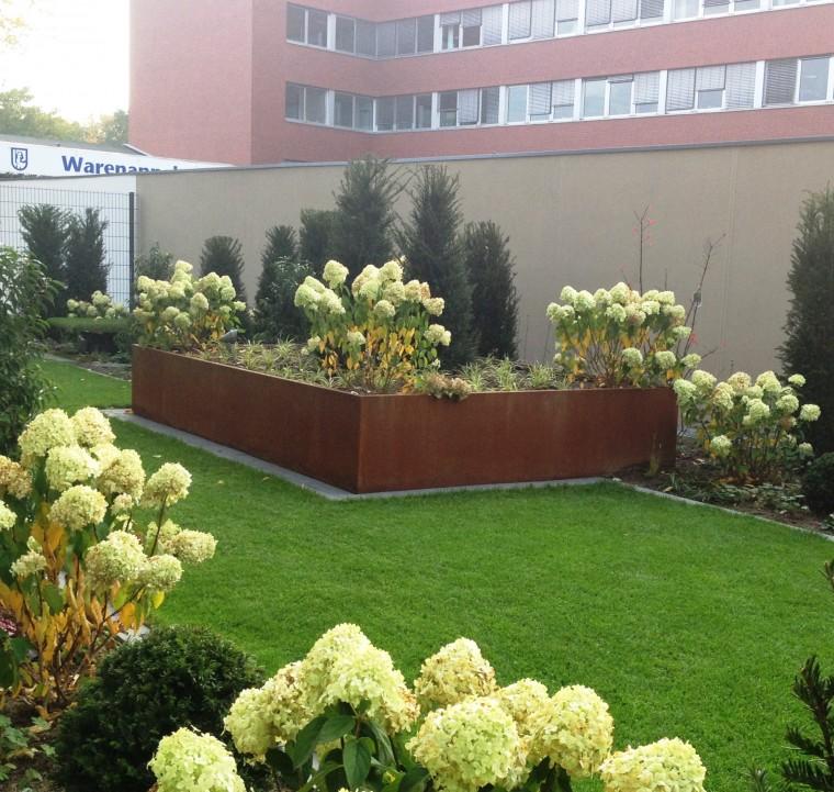 Jardineras grandes para exterior good diseos de jardines for Jardineras modernas exterior